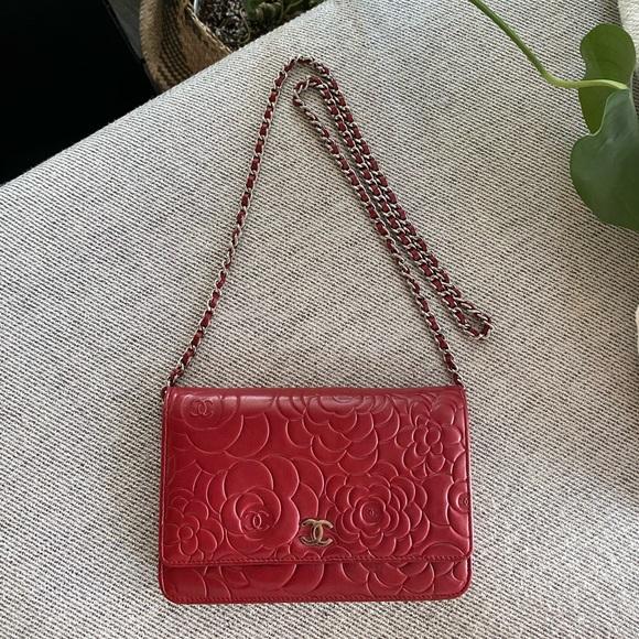 CHANEL Handbags - Chanel Camellia Wallet On Chain